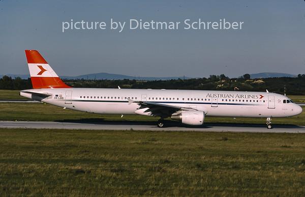 2001-09 OE-LBB Airbus A321 Austrian Airlines