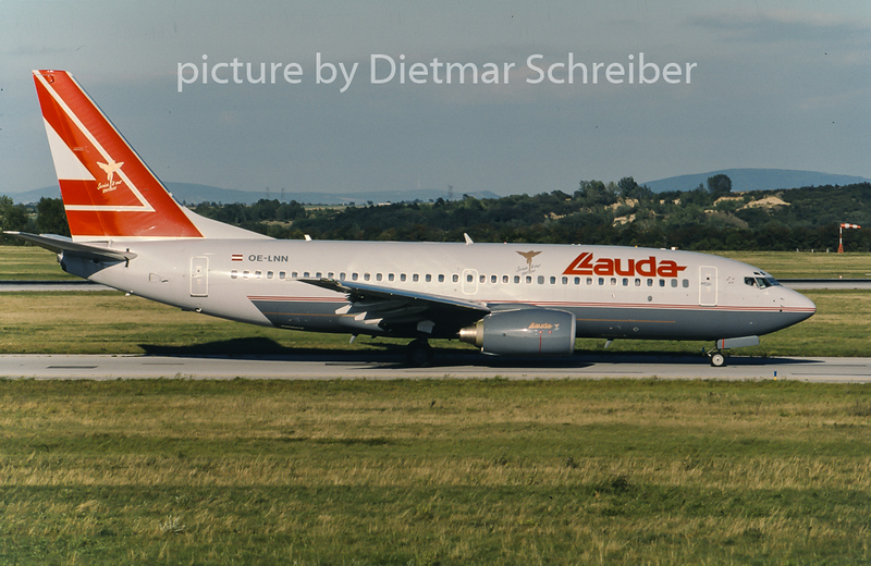 2001-09 OE-LNN Boeing 737-700 Lauda Air