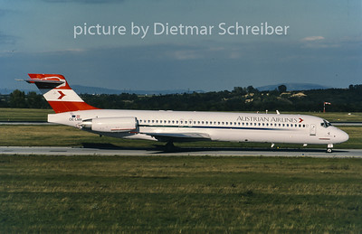 2001-09 OE-LMK MDD MD87 Austrian Airlines