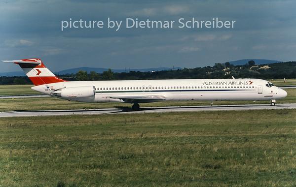 2001-09 OE-LMB MDD MD80 Austrian Airlines