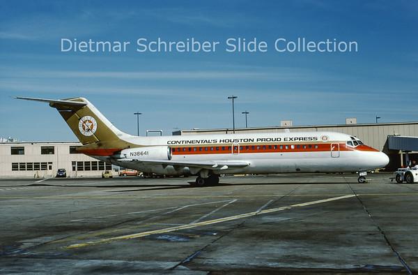 1988-01 N38641 Douglas DC9-10 Continental´s Houston Proud Express