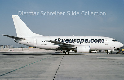 2009-08 LY-AWG Boeing 737-500 Skyeurope