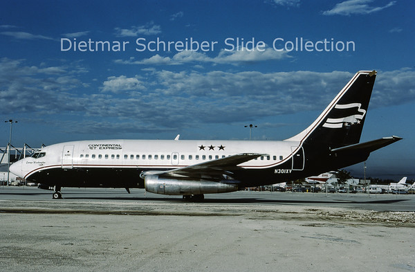 1987-10 N301XV Boeing 737-200 Continental Jet Express