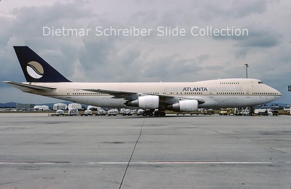 2009-09 TF-ARM  Boeing 747-200 Sundt Atlanta Skybridge