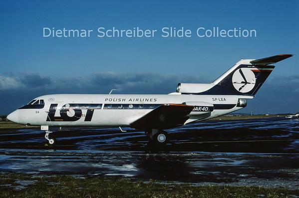 SP-LEA Yakovlev 40 (c/n 9021660) LOT Polish Airlines