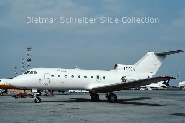 LZ-DOM Yakovlev 40 (c/n 9620447) Hemus Air