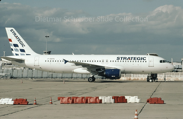 2009-09 F-GSTS Airbus A320 Strategic Airlines