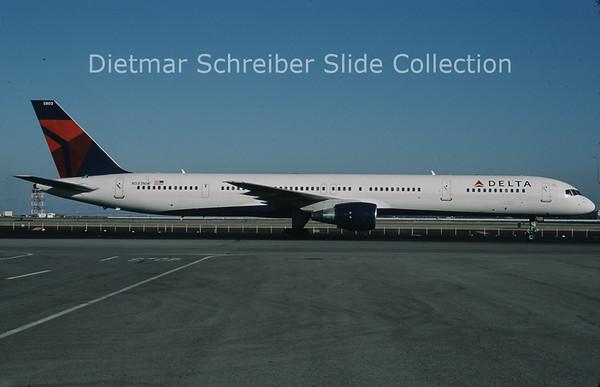 2010-10 N583NW Boeing 757-351 (c/n 32983) Delta Airlines