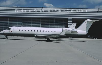 2011-09 OE-IZZ Bombardier Regionaljet 200ER (c/n 8052) Avcon Jet