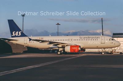 2013-01 OE-IBJ Airbus A320 SAS Scandinavian