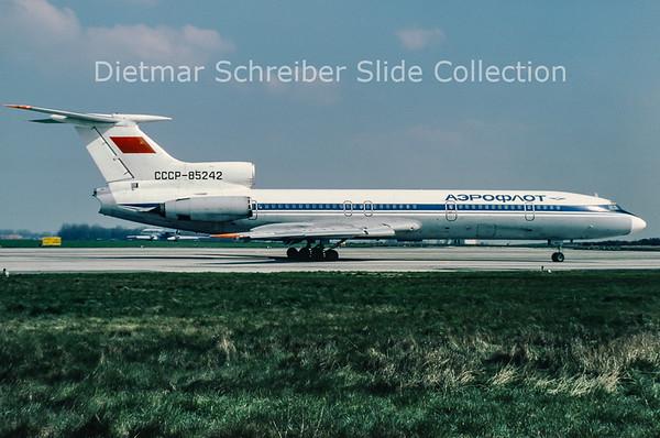 1980-04 CCCP-85242 Tupolev 154 Aeroflot