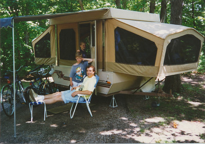 Camping at Mark Twain Lake in Starcraft Camper