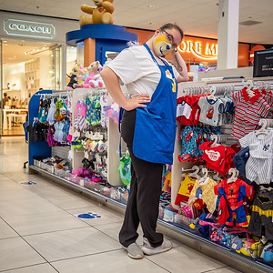112720_1024_Shoppers