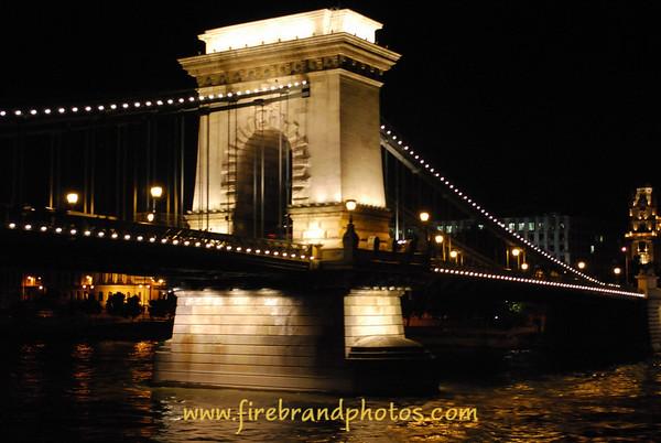 Chain Bridge<br /> Budapest, Hungary