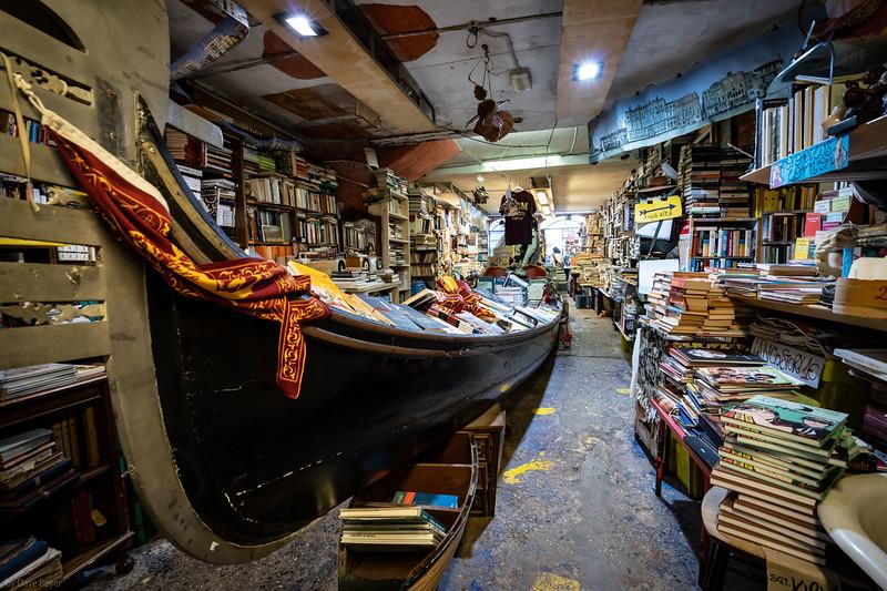 Acqua Alta Bookstore, Venice