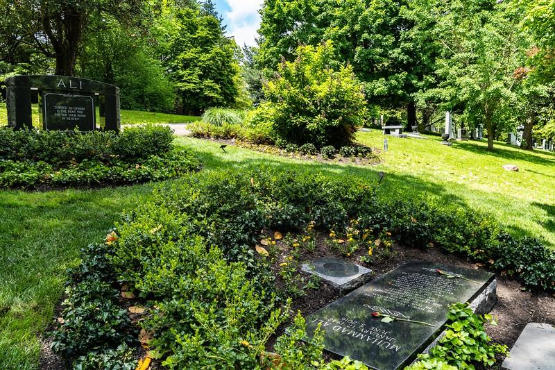 Muhammad Ali grave, Louisville, KY