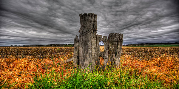 The Old Gatepost ~ WIDE VIEW