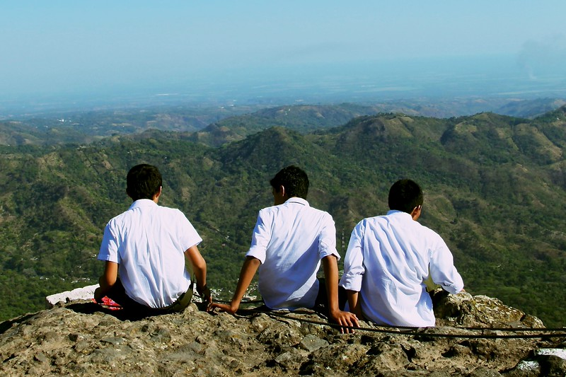 School field trip, top of Puerto del Diablo, San Salvador
