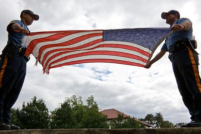 090910_9580_Flag Retire
