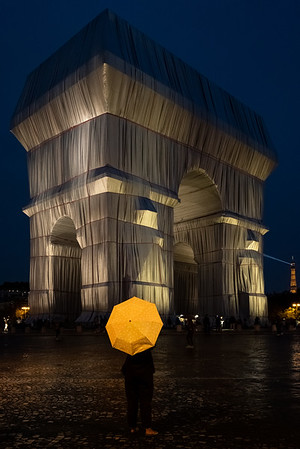 L'Arc de Triomphe, Wrapped - Christo & Jeanne Claude Project - Paris, Sept 2021