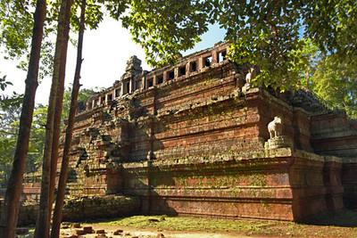 Phimeanakas Temple at Angkor Thom ruins
