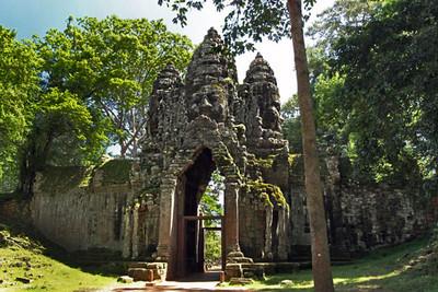 North gate of Angkor Thom ruins