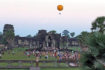 Hot air balloon rides at dawn at Angkor Wat