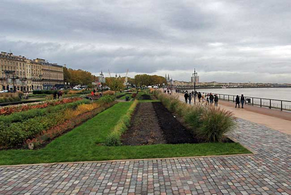 Gardens along the Garonne River in Bordeaux, France