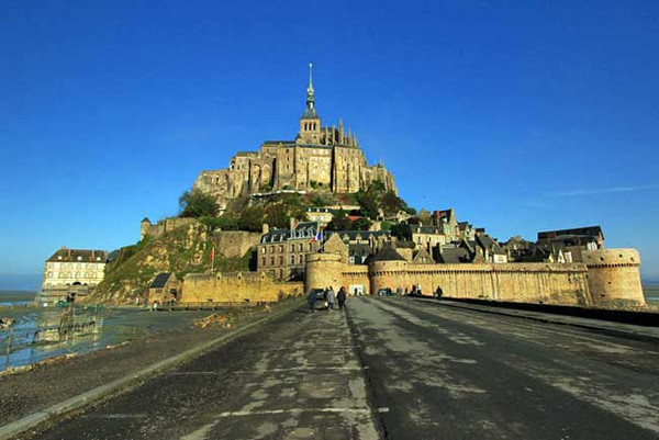Mont Saint Michel shines under crystal clear sunny skies