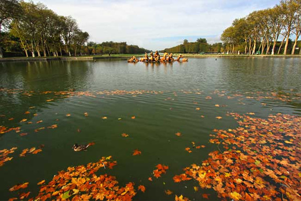 Fountain of Apollo's Chariot at Versailles Gardens is dull when turned off