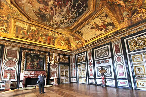 Queen's Guards Room, Versailles Palace