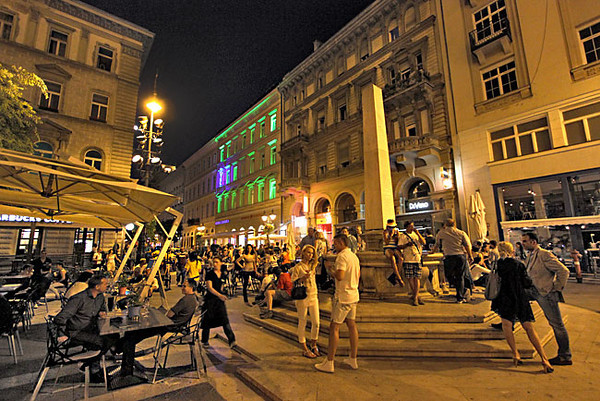 At night St. Stephen's Square in Budapest is alive with music and cafe life