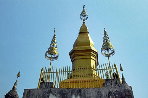 Wat Chomsi Stupa atop Phousi Mount