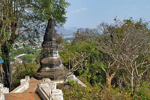 Descending Phousi Mount toward Wat Thammo Thayaram