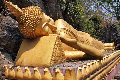 Reclining Buddha at Wat Thammo Thayaram