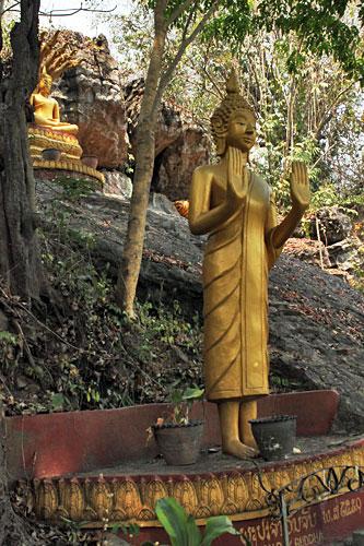 Buddha sculptures dot hillside at Wat Thammo Thayaram