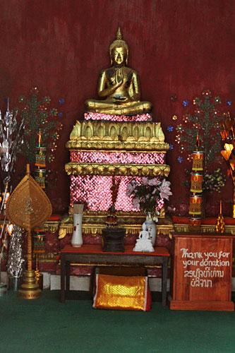 Interior of Wat Souvanna Khiri
