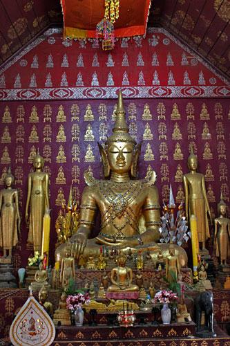 Interior of lovely Wat Sop