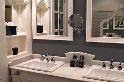Luxurious bathrooms in Pioneer Suite