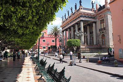 Jardin de la Union and Teatreo Juarez