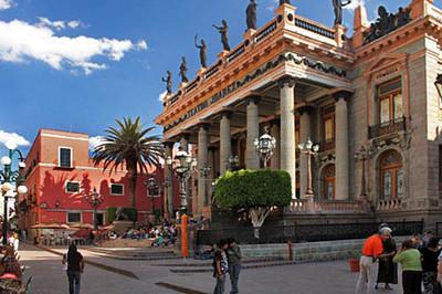 Teatro Juarez by day
