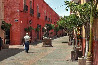 Outdoor sculptures abound in Queretaro