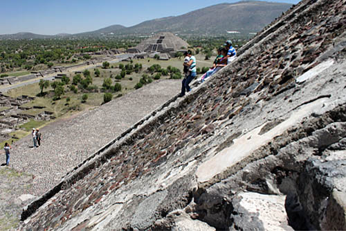 Steep stairs to the top of Pyramid of the Sun