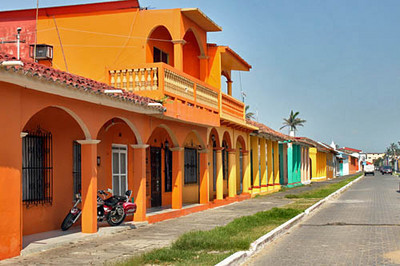 Multi-colored columns on historic houses