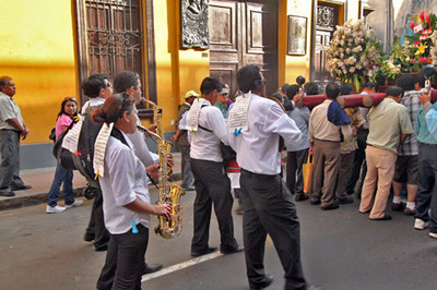 Band marched behind icon of the virgin