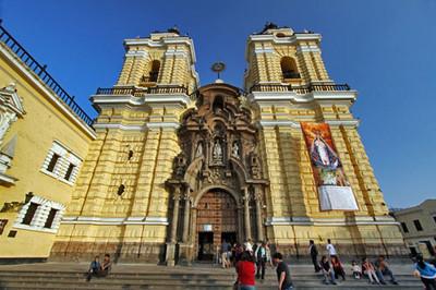 Tour catacombs at Lima's Santuario de la Virgen del Milagro (Sanctuary of the Miracle Virgin)