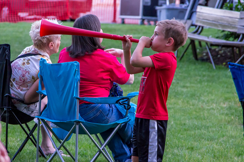 Copyright/photo credit: Kmiecik Imagery, Central DuPage Camera Club.