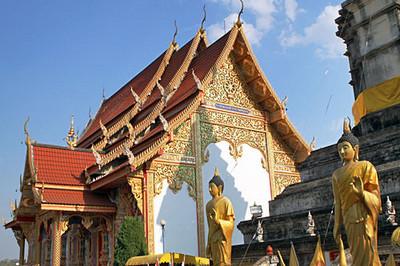 Buddha statues at lovely wat in Chiang Khong