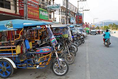 Chiang Khong, cleanest, friendliest border town ever