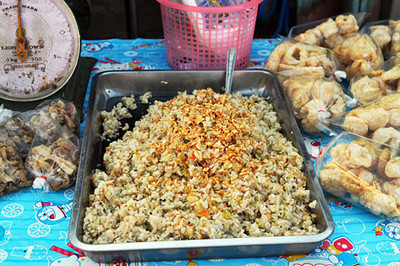 Eat on the cheap from street vendors